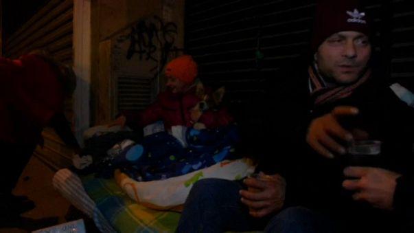 Önkéntesek veszik számba a hajléktalanokat Párizsban