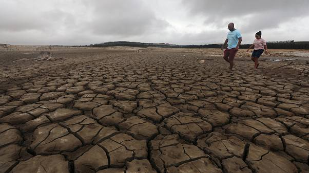 Το euronews στο Κέιπ Τάουν: Εξαντλούνται τα αποθέματα νερού