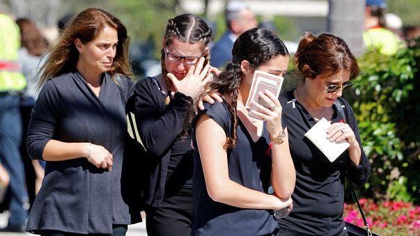 Америка оплакивает жертв и ищет виновных