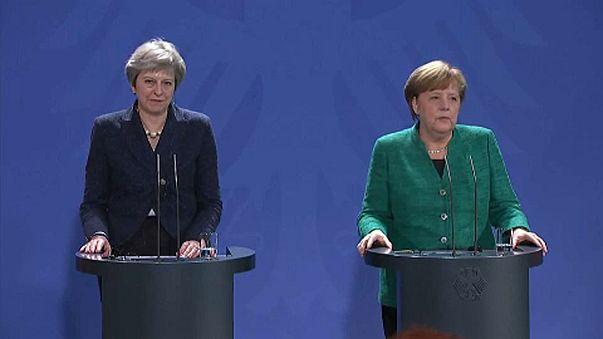 A Brexitről tárgyalt a brit kormányfő és a német kancellár