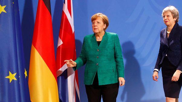 Γερμανία: Μέρκελ και Μέι για το Brexit