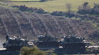 دبابات تركية على الحدود السورية