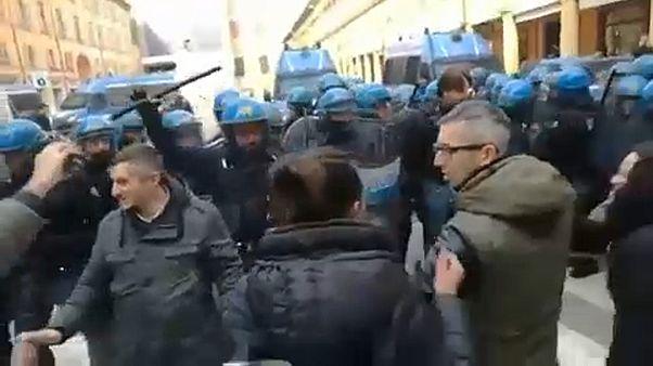 Zavargásba fulladt egy olasz antifasiszta tüntetés