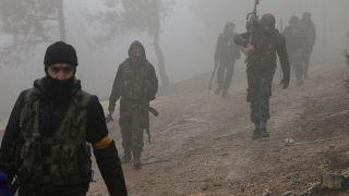 مقاتلون من الجيش السوري الحر الذين تدعمهم تركيا في منطقة شمال شرق عفرين