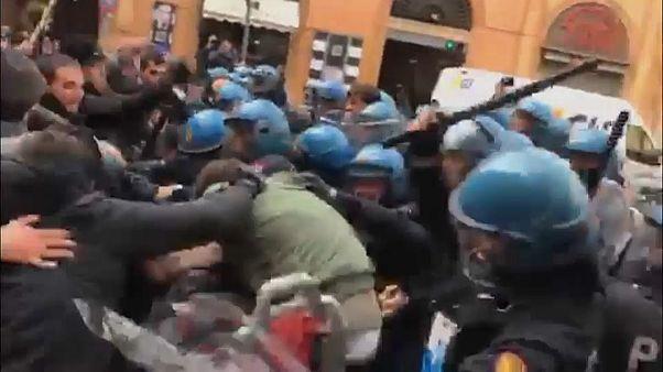 12 Verletzte: Gewalt bei Demo gegen Rechtsextreme