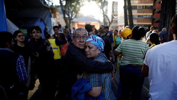 La paura dei residenti che si sono riversati in strada a Città del Messico