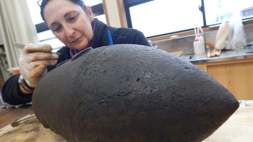 128 yıl önce batan Ertuğrul Fırkateyni'nden top mermileri çıkarıldı