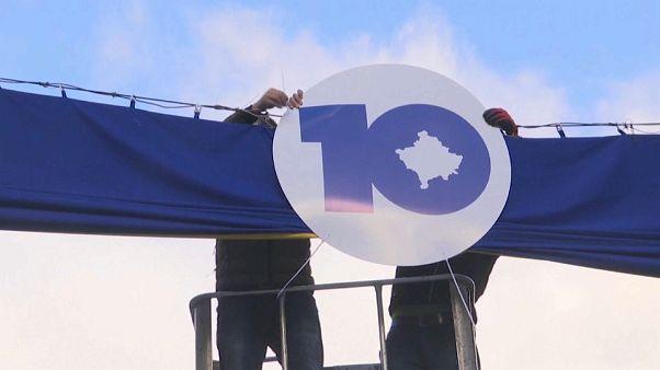 Kosovo celebra 10 años de una independencia que no trajo prosperidad