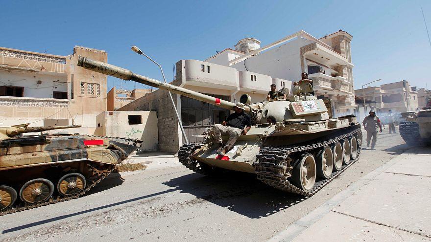 الانقسامات السياسية تُعكر صفو احتفال ليبيا بذكرى ثورتها