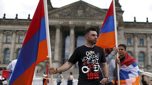 مشهد من مظاهرات تطالب الاعتراف بالإبادة الجماعية للأرمن