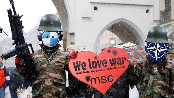 Münih Güvenlik Konferansı'nda NATO Rusya ilişkileri görüşüldü