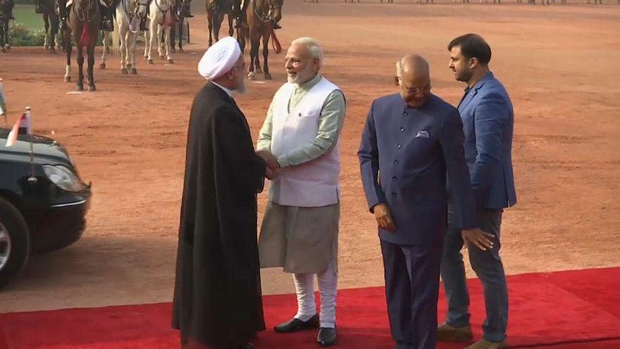 India: il presidente iraniano Rohani incontra Modi