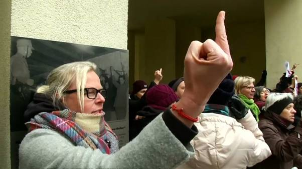 Berlin'de gergin yürüyüş