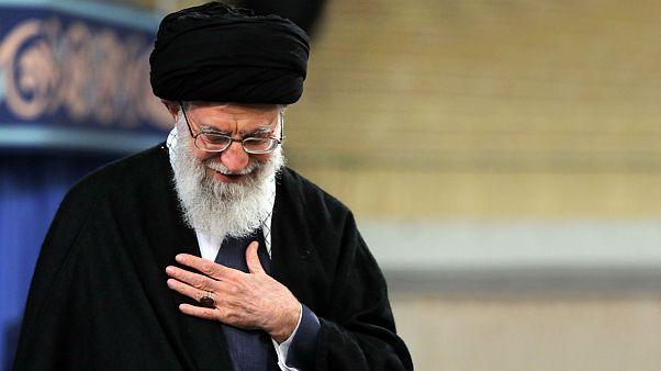علی خامنهای: انتقاد از این حقیر منافاتی با ایستادگی پای نظام اسلامی ندارد