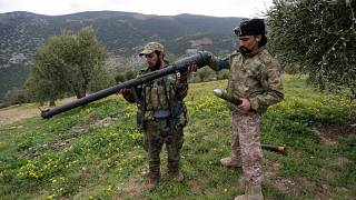 مقاتلون من الجيش السوري الحر في ريف شمال عفرين
