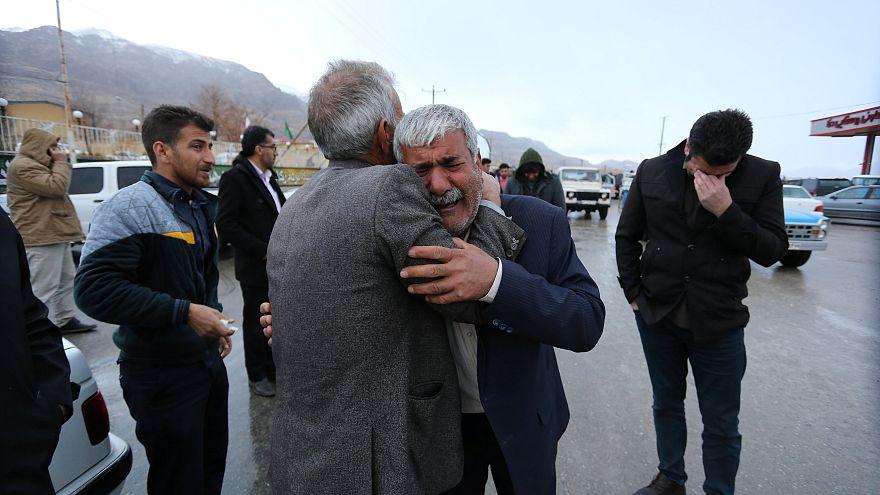 Crash d'avion en Iran :  à la recherche de survivants