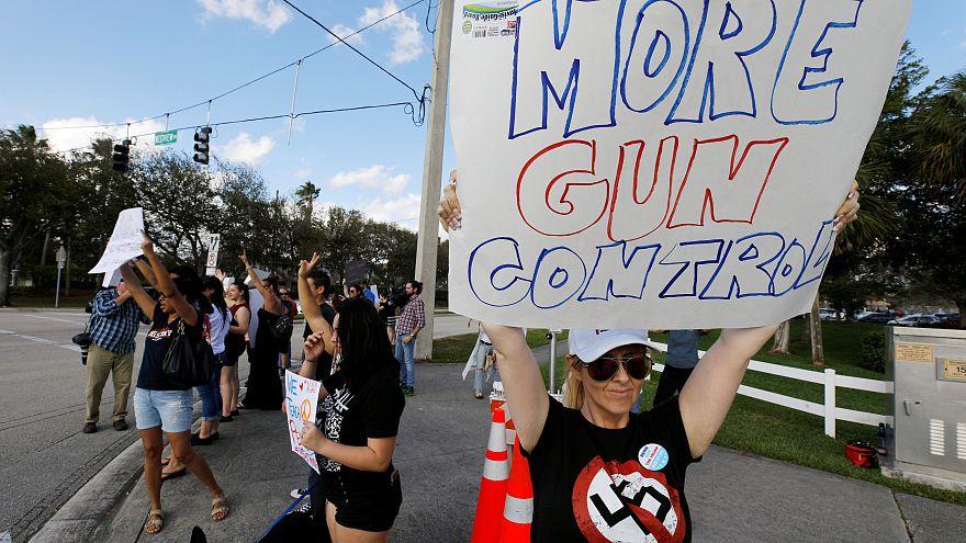 Sobreviventes do tiroteio na Florida organizam marcha de protesto