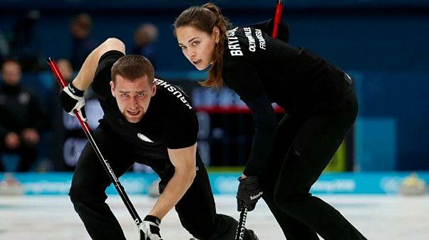 Aleksander Krushelnitckii, l'atleta sotto accusa, con la moglie