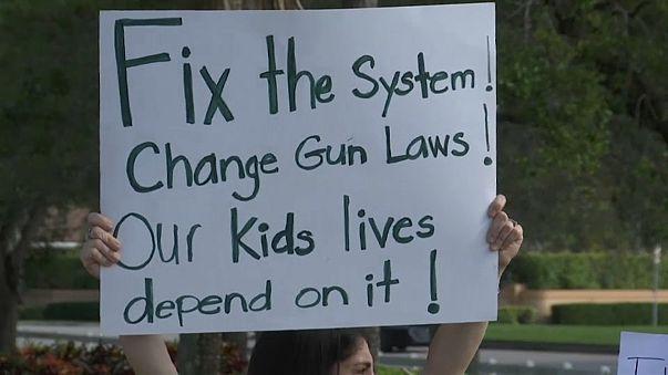 Florida: studenti in piazza per dire no alle armi