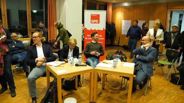 Almanya SPD üyelerinin vereceği kararı bekliyor