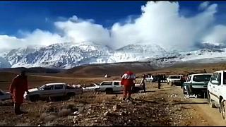 Difícil recuperación de los cadáveres del avión siniestrado en Irán