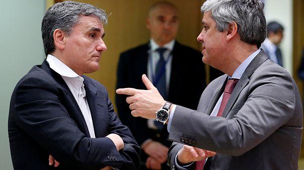 Eurogroup: «Πάγωσε» η δόση, προχωράει η ελάφρυνση του χρέους