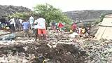 A mentők további áldozatokat sejtenek a romok alatt