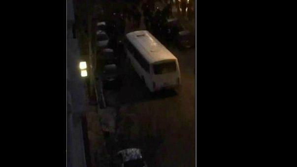 شاهد لحظة دهس 3 ضباط إيرانيين في العاصمة طهران