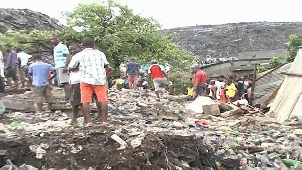 Una avalancha de basura deja varios muertos en Mozambique