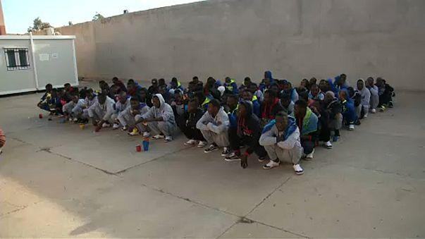 Líbia deporta 250 migrantes africanos
