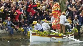 La battaglia dei fiori a Villefranche-sur-mer