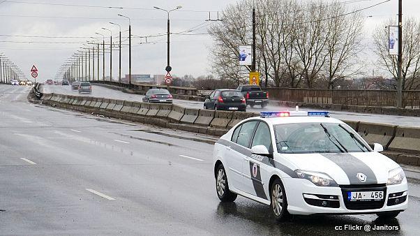 Почему водить в Латвии небезопасно