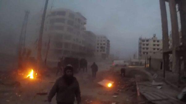 Avanzano le truppe di Damasco, 20mila civili in fuga dalla Ghouta orientale