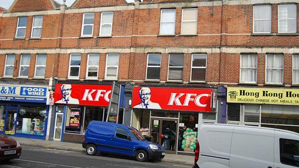 بریتانیا؛ شعبههای کیافسی بهدلیل کمبود گوشت مرغ تعطیل شدند
