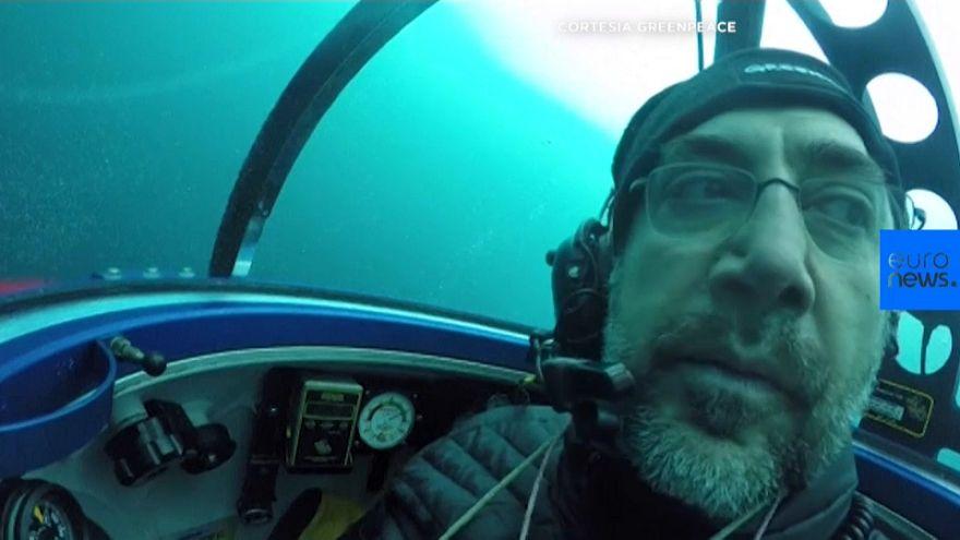 Javier Bardem se sumerge en el Antártico para pedir que se proteja