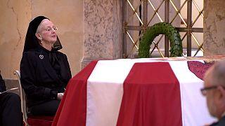 """Funeral del """"peculiar"""" príncipe Enrique de Dinamarca"""