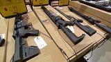 Trump prohíbe trucar armas
