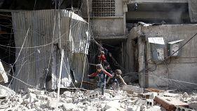 250 قتيلا على الأقل في الغوطة الشرقية ومشاهد حلب وغروزني حاضرة