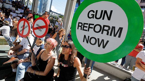 Trump quer proibir mecanismo de transformação de armas semi-automáticas