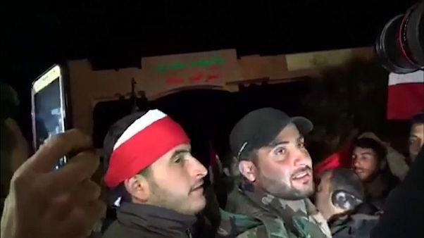 Rejim yanlısı milisler topçu ateşine rağmen Afrin'de