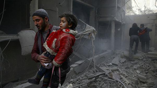 دستکم ۲۵۰ کشته در حملات هوایی به غوطه شرقی؛ هشدار نسبت به فاجعه انسانی