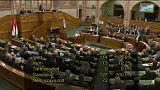 Szolidaritást vállal a magyar parlament Lengyelországgal