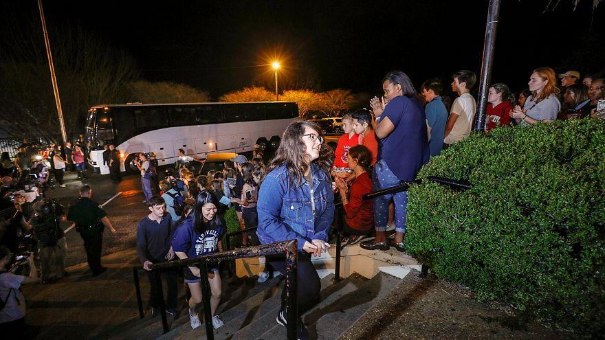 Sobreviventes do massacre na Florida vão ser recebidos na Casa Branca