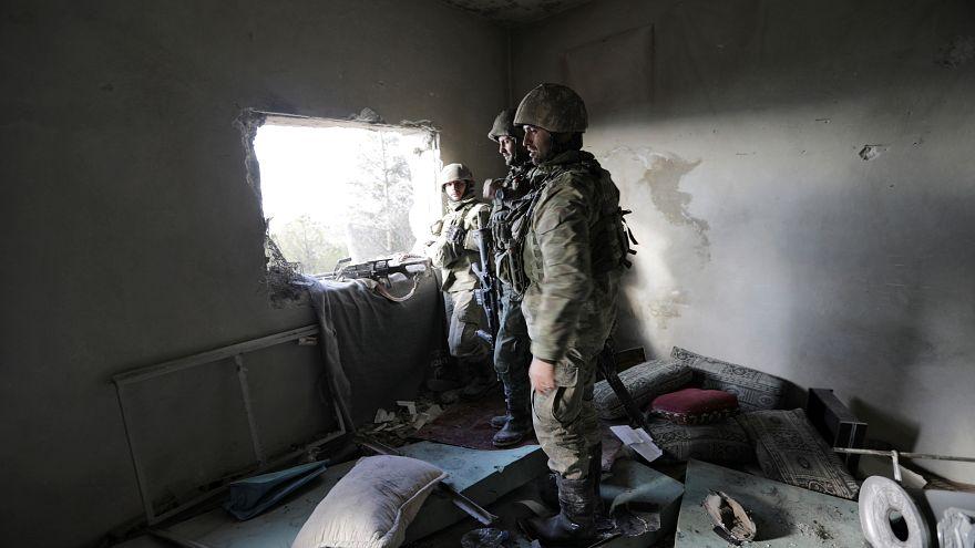 Syrien: türkische Armee setzt Angriffe auf Afrin fort