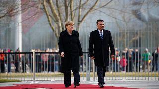 Μέρκελ: Πιο κοντά από ποτέ στη λύση του ονόματος της ΠΓΔΜ
