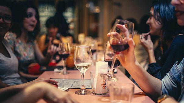 نتیجه یک پژوهش جدید: مصرف الکل طول عمر را افزایش می دهد