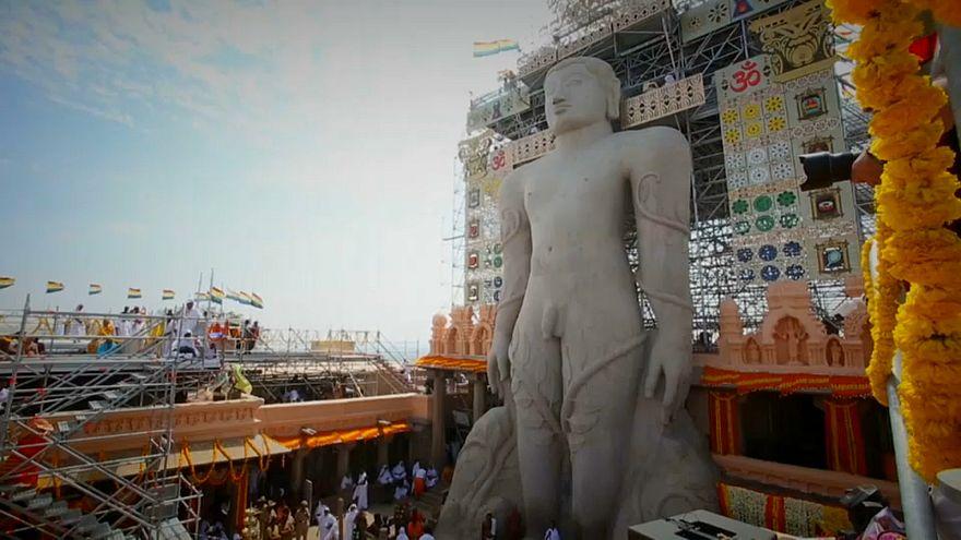 Celebrar o deus jain Bahubali