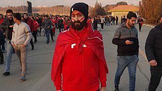 Iraniana vestiu-se de homem para poder entrar num estádio de futebol