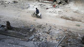 Syrienkrieg: Fassbomben auf Ost-Ghuta