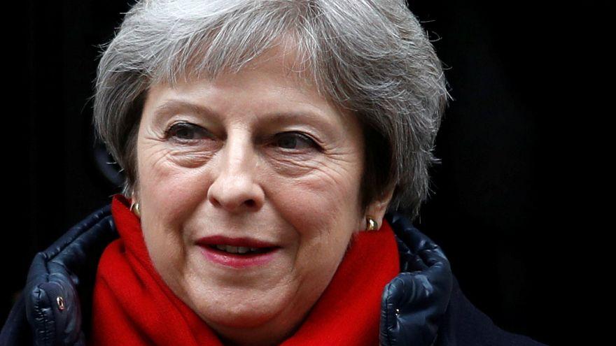 "Theresa May quer cidadãos da UE no Reino Unido pós ""Brexit"""